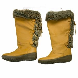 Cougar Women's Spruce Pull-On Fur Boots